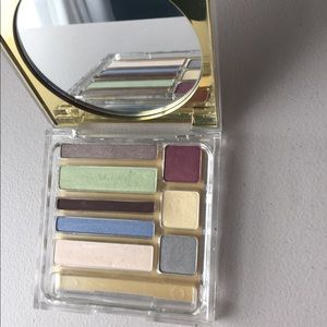 eyeshadow palette from Estee Lauder w 8 shadows